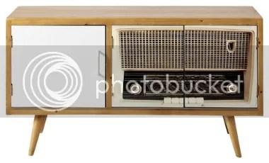 Sideboard im 50erJahre-Stil aufgemaltes Kofferradio