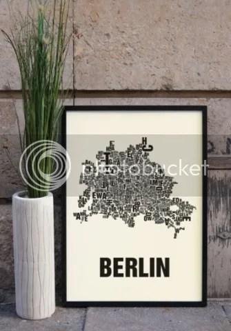 Stadtplan Berlin Stadtpläne aus Worten gemacht eingerahmter Siebdruck Keilrahmenbild Leinwand