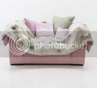 lovechair loveseat mit decke überwurf plaid italienisches möbeldesign wohndesign wohnzimmer