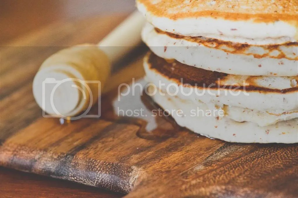 Thick & Fluffy Pancakes with Organic Honeycomb