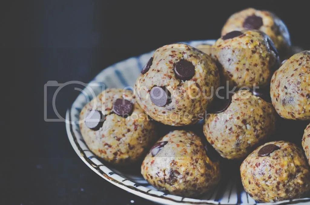 Supercharged Maca & Peanut Butter Cookie Dough Balls