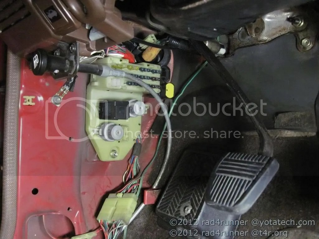 Fuel Pump Wiring Diagram As Well 88 Toyota Pickup Headlight Wiring