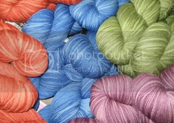 Yummy Cadenza, 80% superwash merino / 20% tussah silk