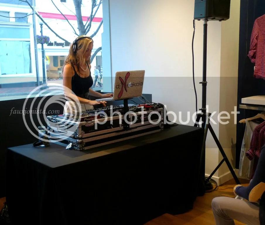 DJ Neekola playing at the Modern/Vintage Mashup event
