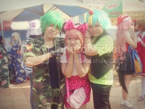A group cosplayed Happy Tree Friends