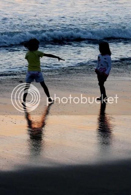 Simple Friendship at Kuta Beach 01