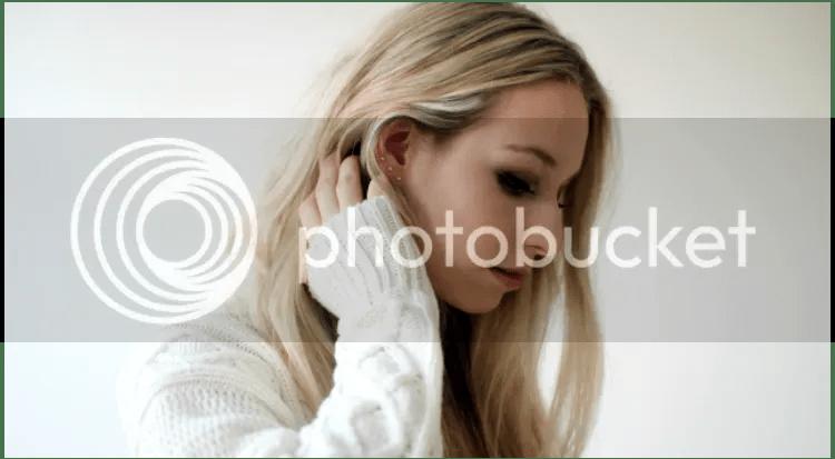 photo ear-piercing-c.png