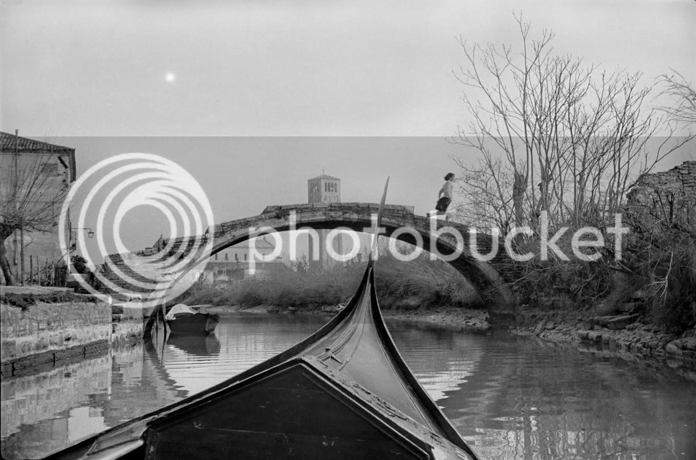 photo HenriCartierBresson-boat.jpg