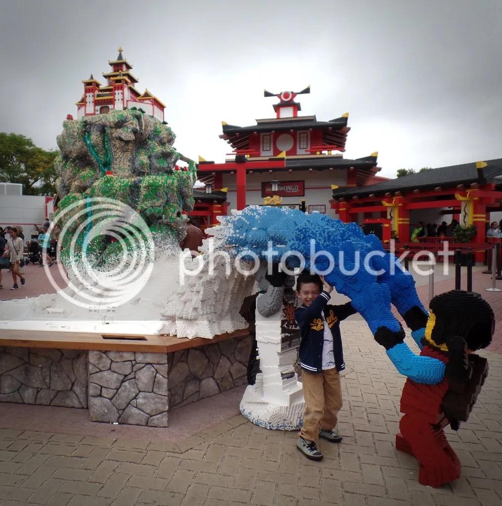 photo Legoland- Grimlock with Ninjago_zpsx4jkxbas.jpg