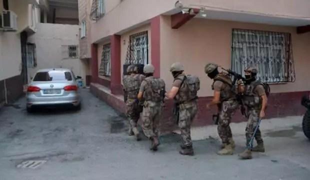Adana'da şafak operasyonu: Çok sayıda gözaltı var 1