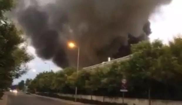 Antalya OSB'de yangın 1