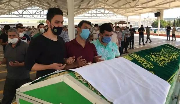 Mevti Türkiye'yi yasa boğan Duygu'nun cenazesi toprağa verildi 1