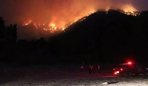 Adana'da orman yangını: Kimi konutlar tahliye edildi 1