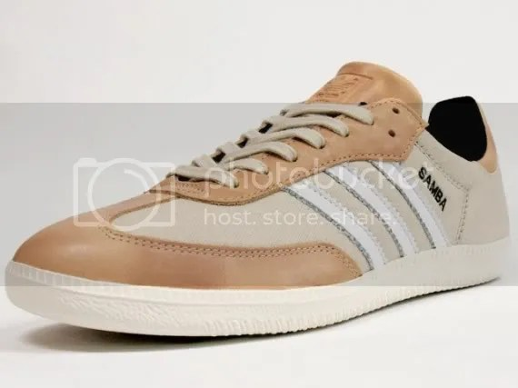 adiadas,shoes,kicks,white,brown,stripes