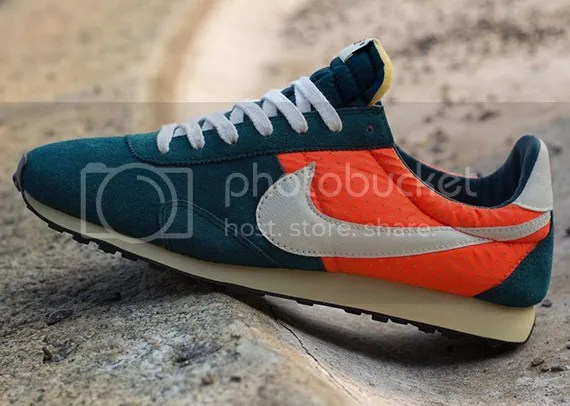 Nike Pre Montreal Racer photo nike-pre-montreal-racer-mid-turquoise-total-crimson_zps5ac088e0.jpg