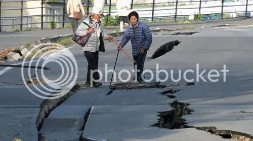 photo japanquake_zpsc2nvqdo7.jpg
