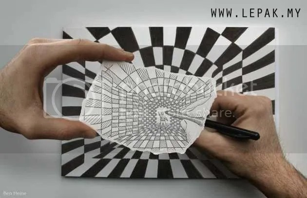 lukisanpensel6 Gambar Menarik Lukisan Pensel Bergabung Dengan Realiti