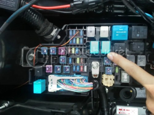 small resolution of 2008 mazda 5 fuse box assembly