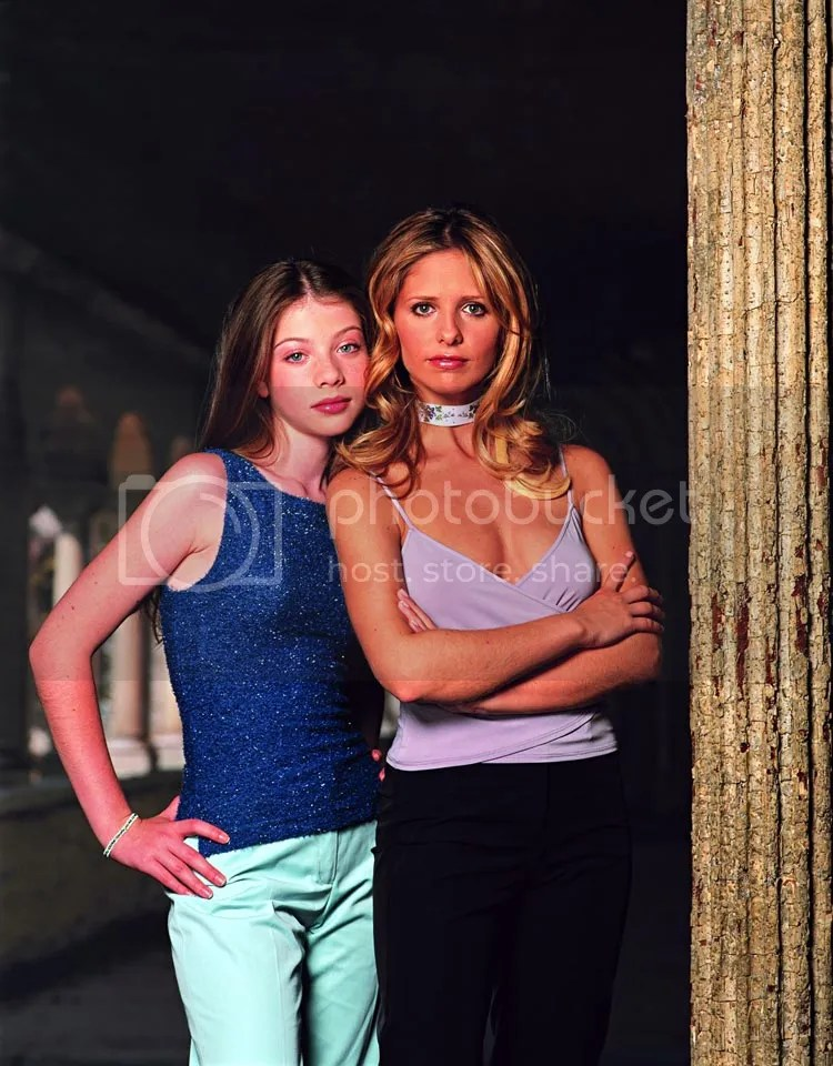 dawn and buffy summers (michelle trachtenberg and sarah michelle gellar)