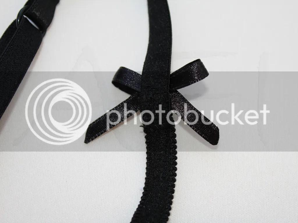 bra trap bow