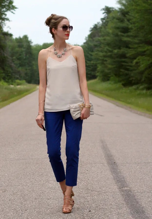 casual outfit blue crop pants