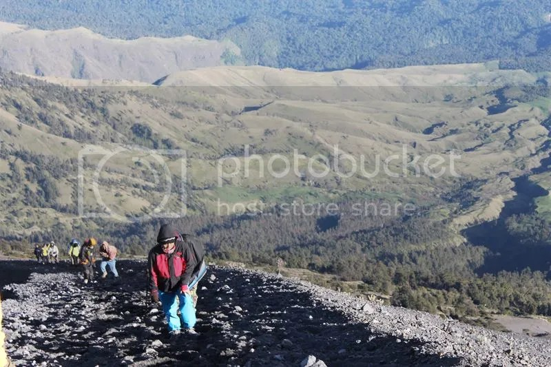 Way to the peak of Mt. Rinjani