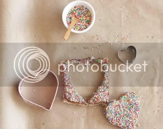 Corazón del chocolate Pan de hadas   por Polkadot Imprime foto 130205_ValentinesFairyBread11_zpseb17041c.png