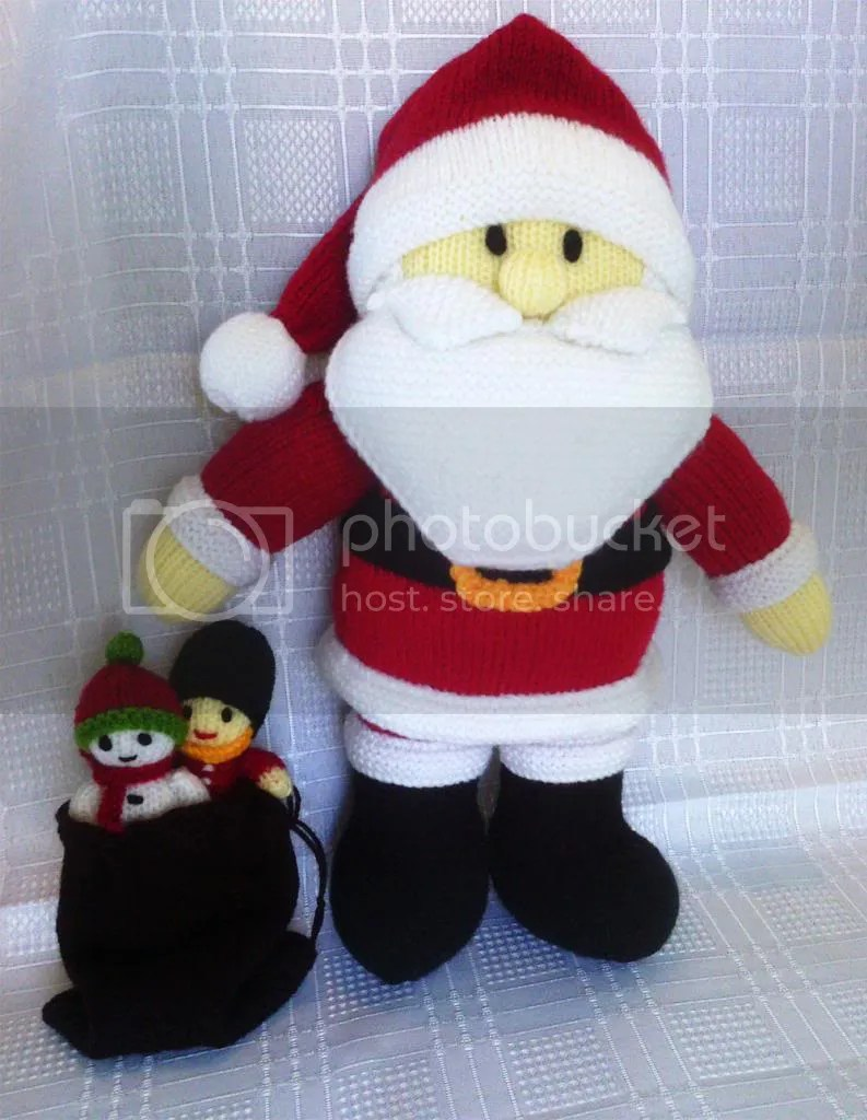 Mini Christmas Stocking Knitting Pattern Free This Knitted Santa Claus