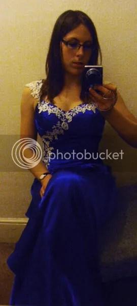 https://i0.wp.com/i1226.photobucket.com/albums/ee408/RowenaFW/Cake%20pictures/Wedding%20dress/P3310033.jpg