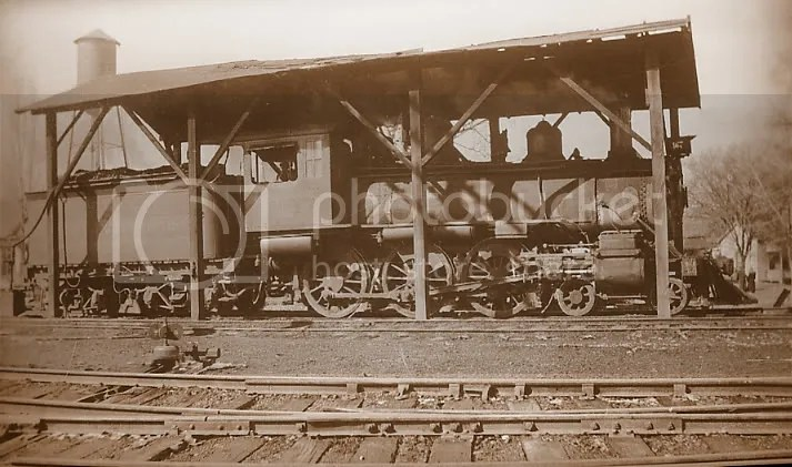CNW 4-6-0 with engine shed