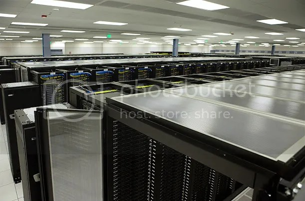 Inside A Facebook Server Farm... (1/6)