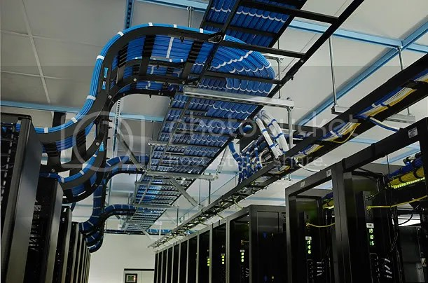 Inside A Facebook Server Farm... (5/6)