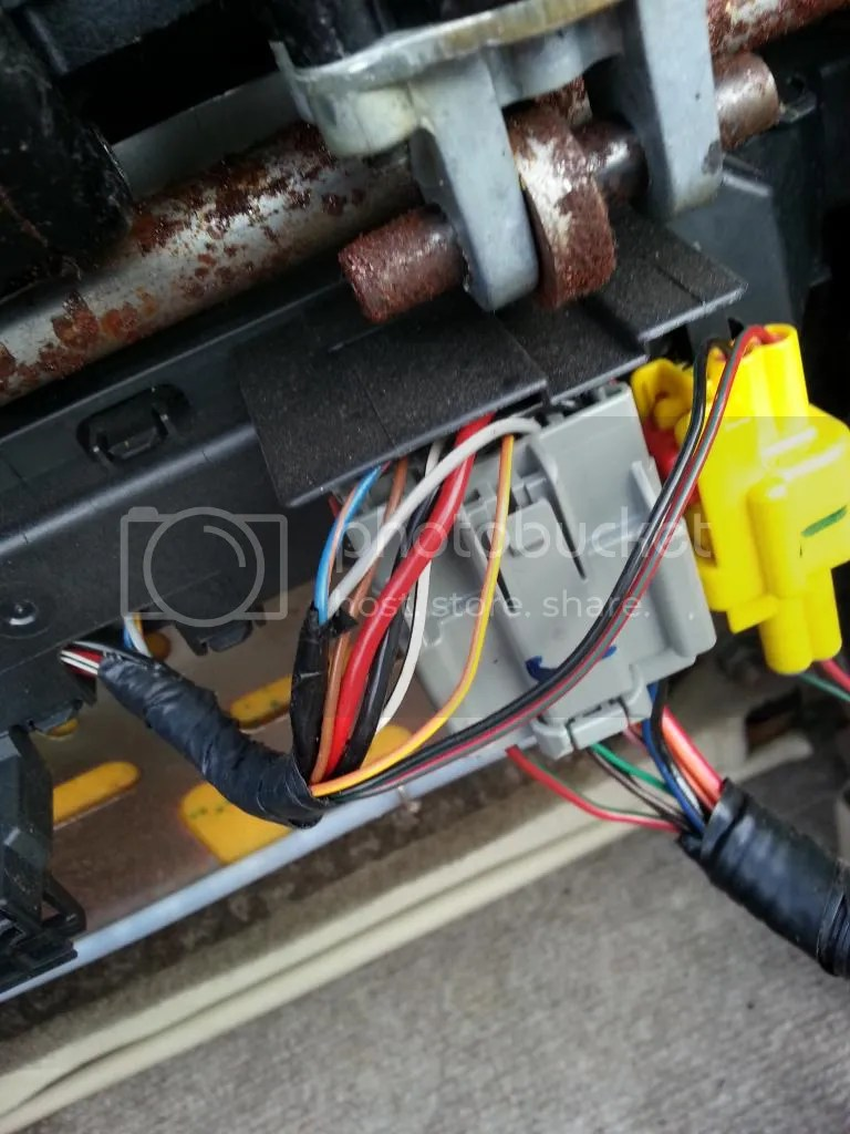 hight resolution of these are the connectors coming into the seat bottom the small yellow one on the right is for the airbag