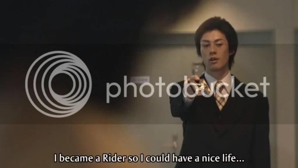 Mitsuru querendo devolver o Card Deck a Kanzaki Shirou