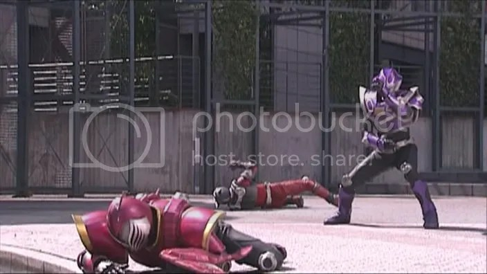 Raia recebeu o golpe mortal de Ohja no lugar de Ryuuki.