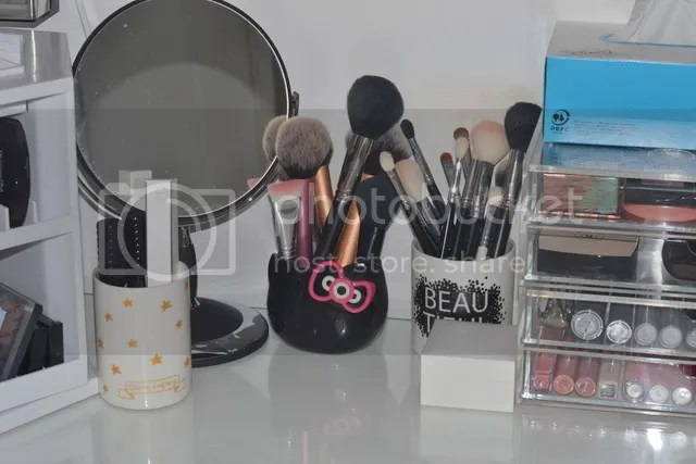 photo Make Up Vanity spiegel-brushes_zpsudramrws.jpg