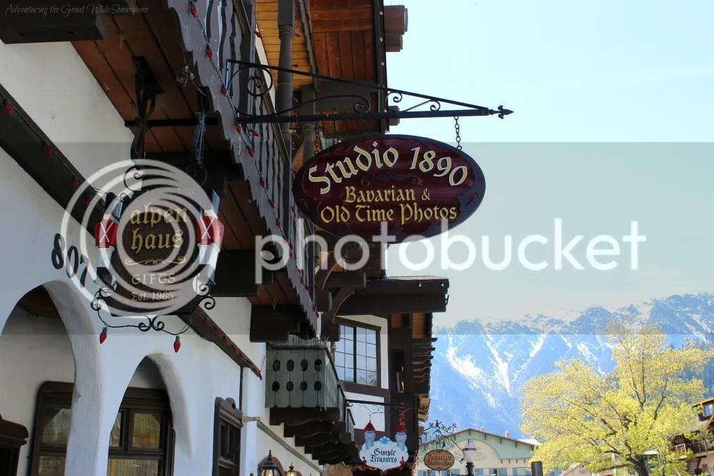 photo Bavarian Themed Photos in Leavenworth Washington_zpspb0qqujv.jpg