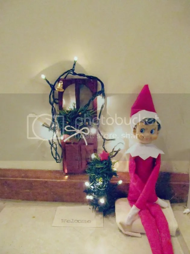 Elf on the Shelf front door
