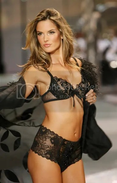 Victorias Secret Angel Alessandra Ambrosio is back to a size 2 only three months after giving birth.