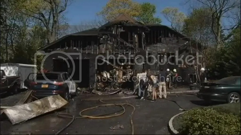 Pit bull saves New York woman from burning home photo PitbullsavesNewYorkwomanfromburninghome_zps1cc98e26.jpg