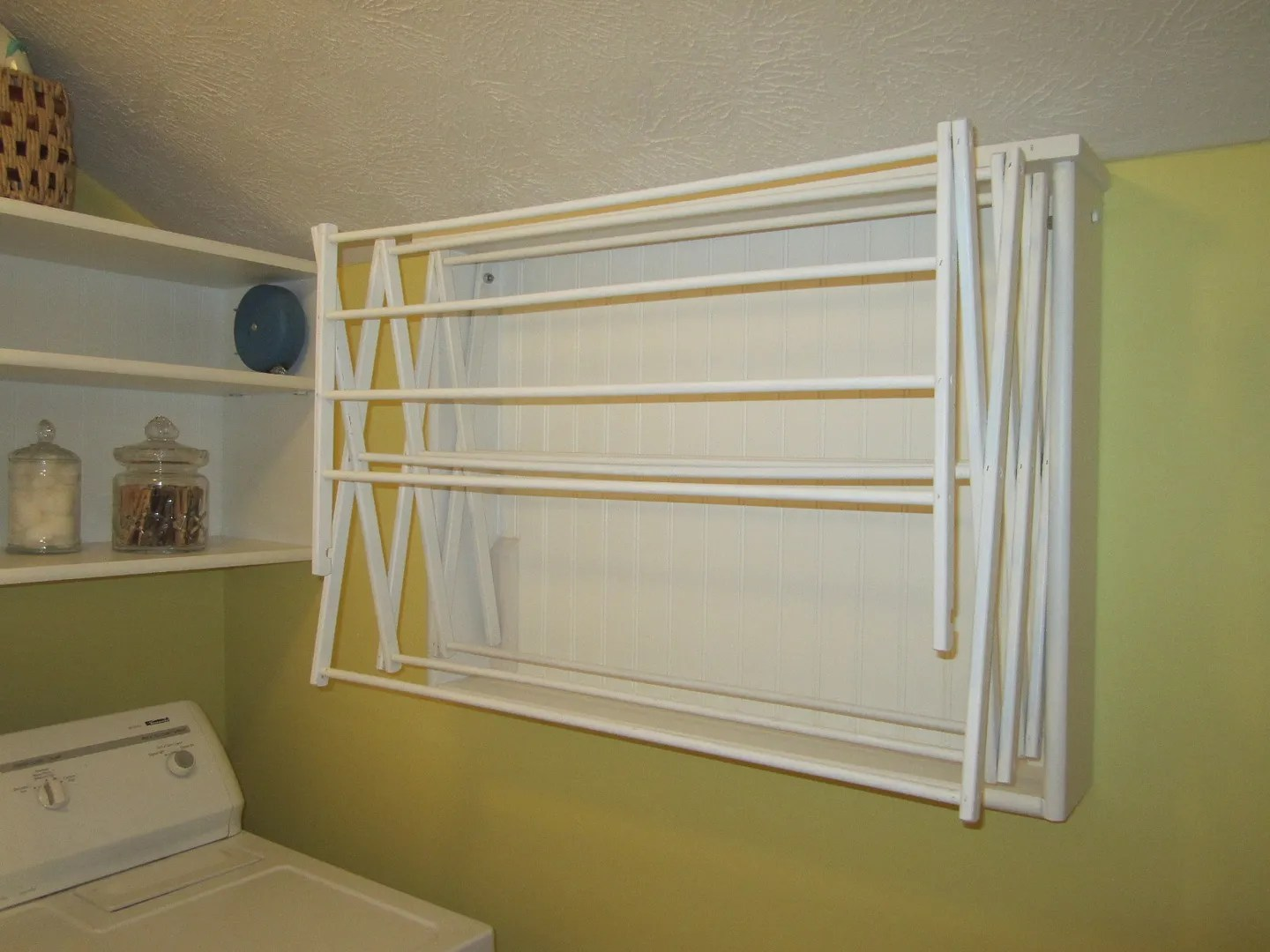 Make Your Own Laundry Room Drying Rack--Easy DIY Project / HomeStagingBloomingtonIL.wordpress.com