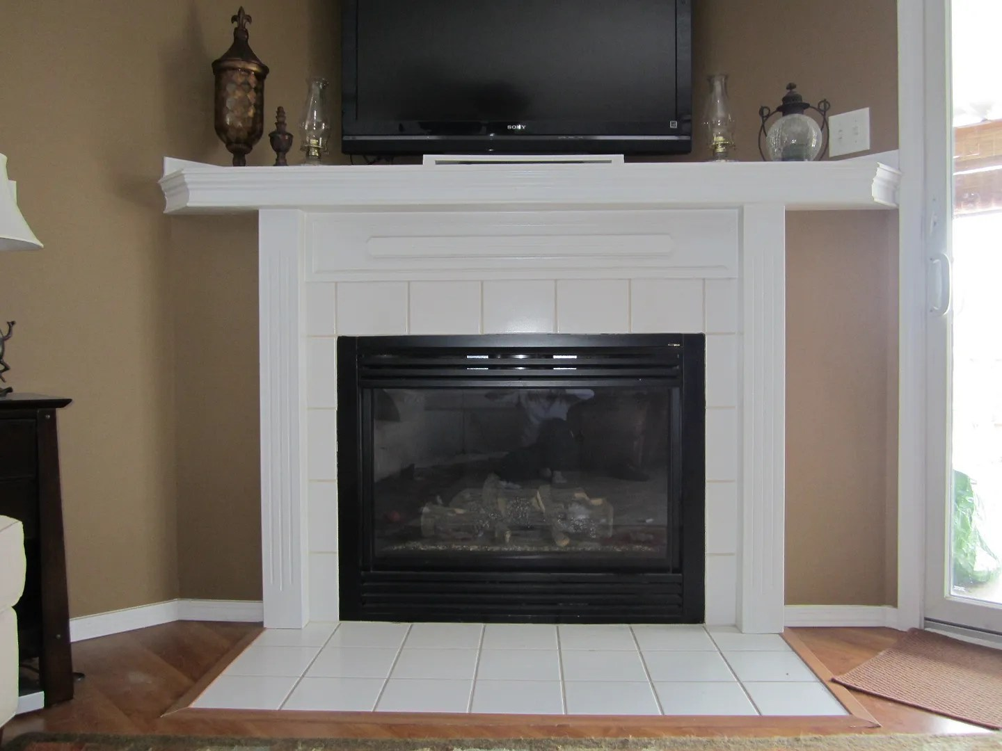 Budget-Friendly Spruce Ups for Your Fireplace and Kitchen Peninsula / HomeStagingBloomingtonIL