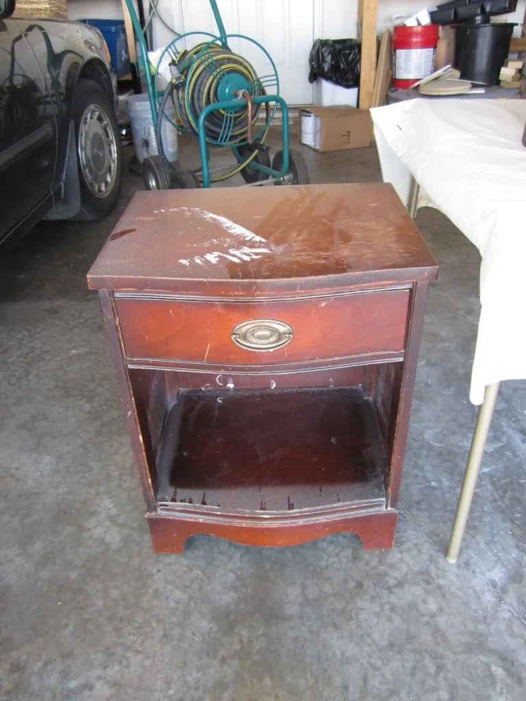 Curbside Dresser Morphs Into Entertainment Stand / HomeStagingBloomingtonIL