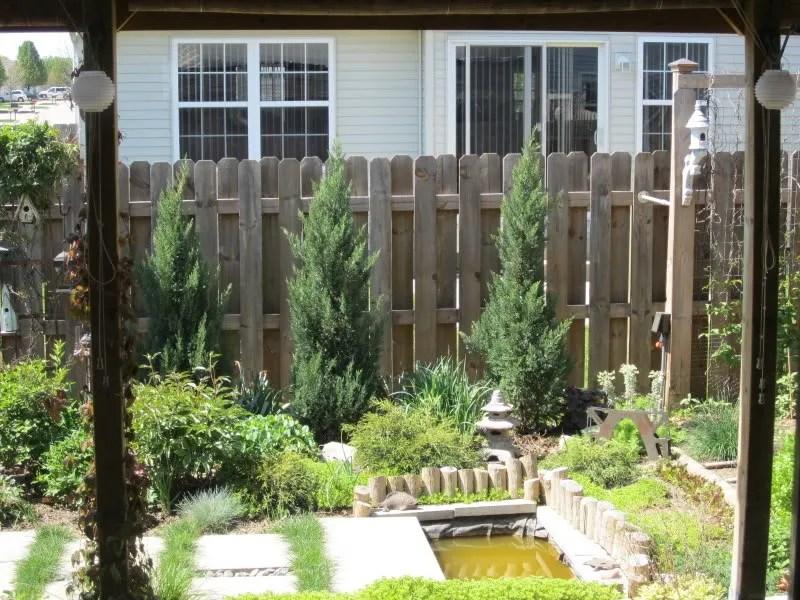 Landscape Design for a Tiny Yard / MyUrbanGardenOasis