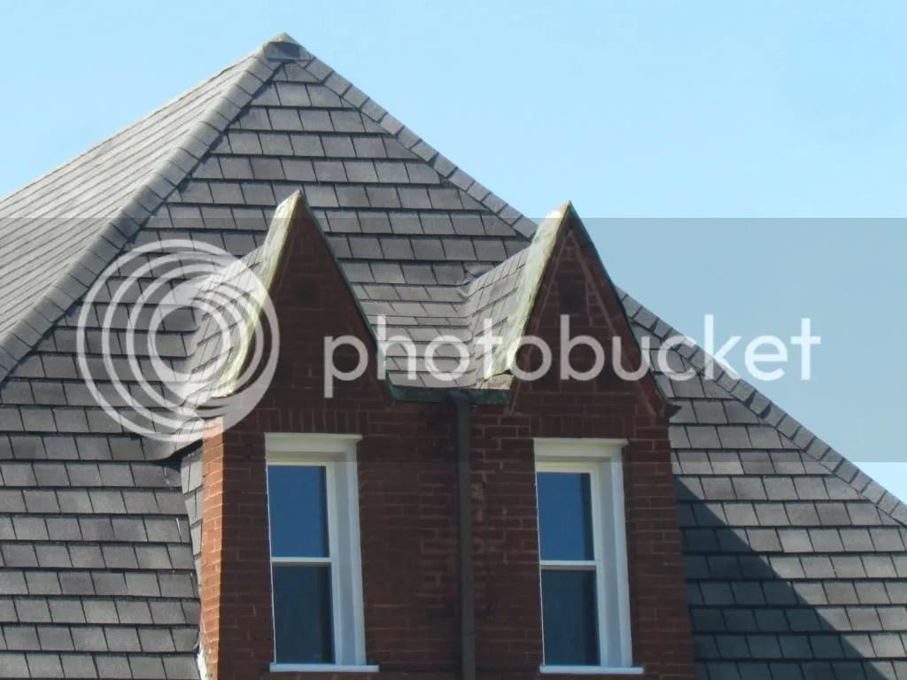 frnt house flag r 090512 stl