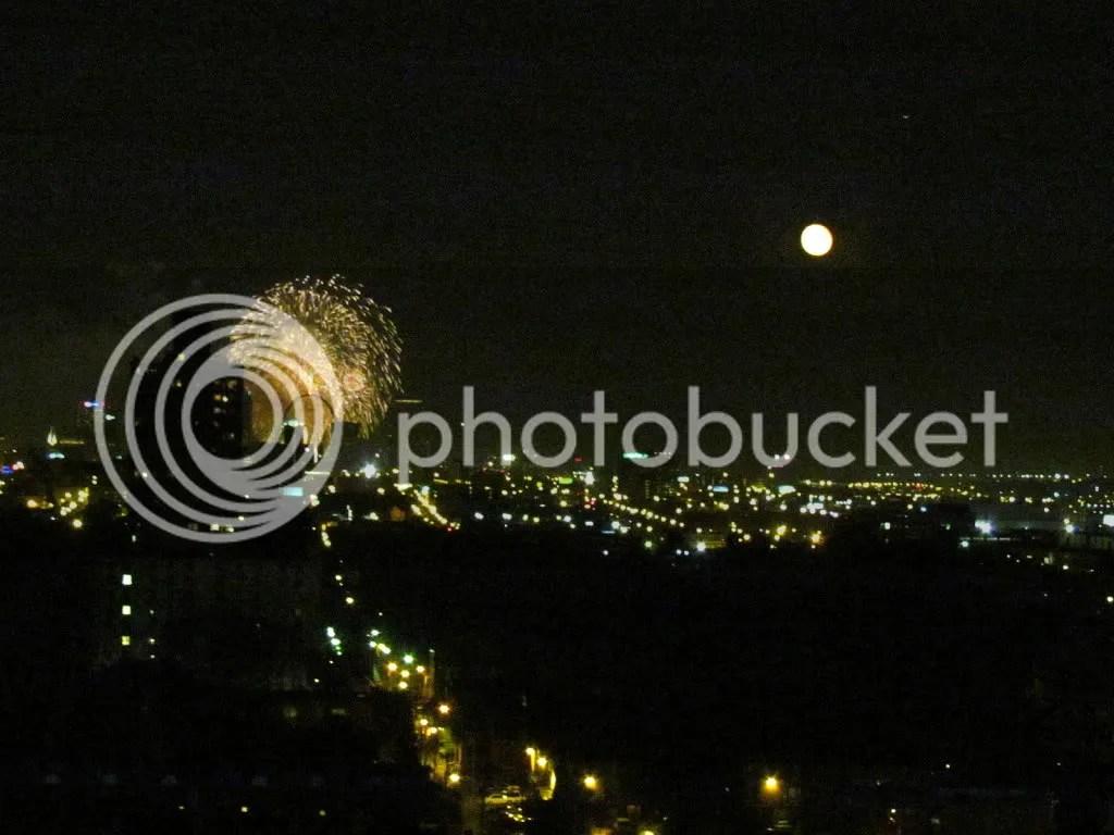 moon fireworks 050712 stl