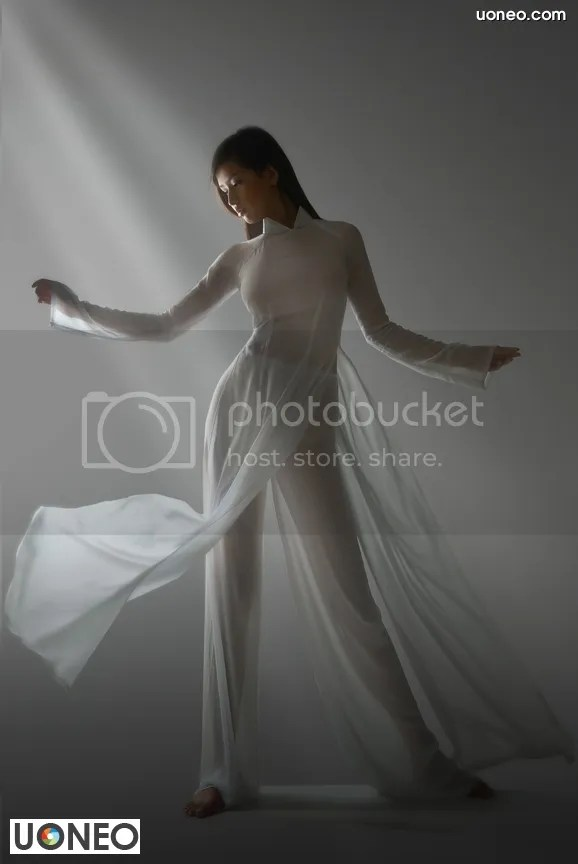 Mai Phuong Thuy Uoneo 03 Mai Phuong Thuy and The Photo Scandal Caused Dresses