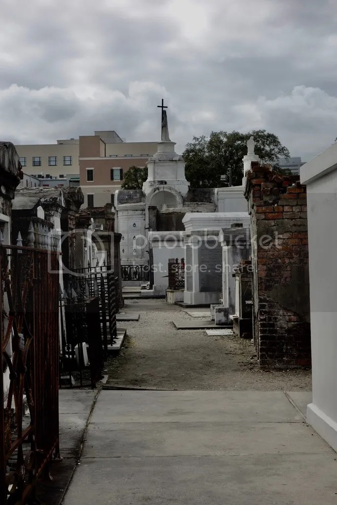 photo New Orleans Saint Louis Cemetary 10_zpsxduunn5i.jpg