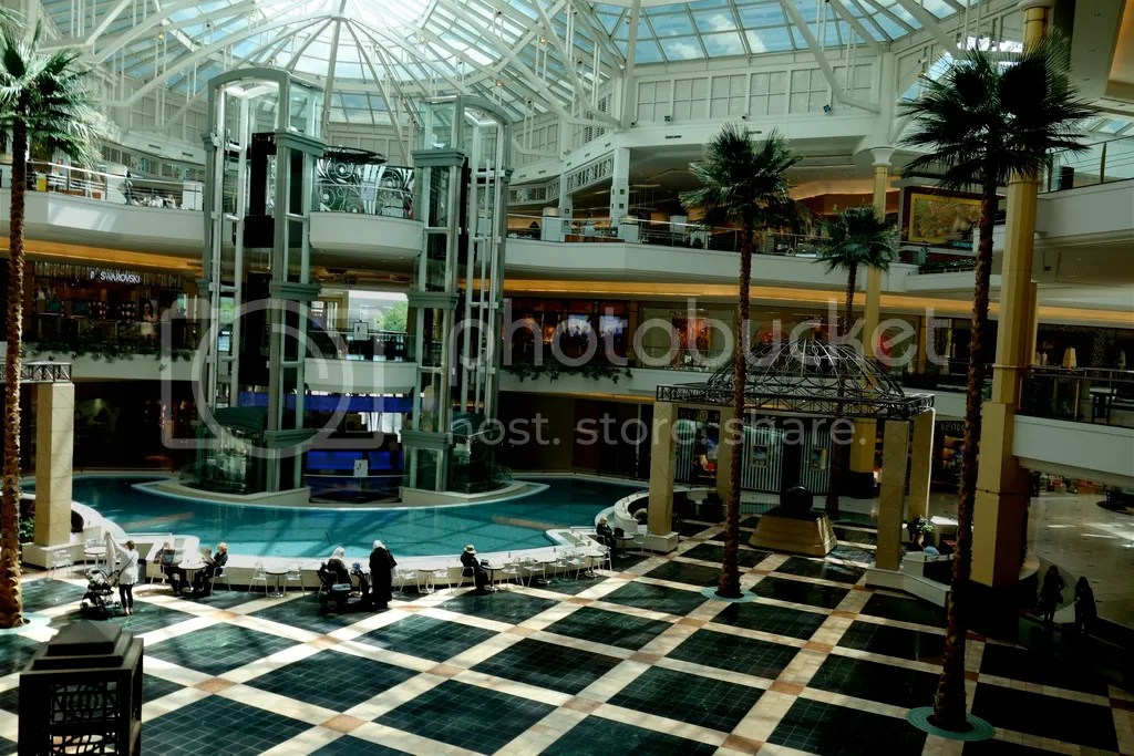 photo Somerset Mall Atrium_zpsmzbpytkh.jpg