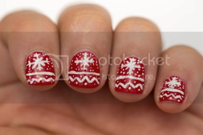 photo christmas-sweater-nail-art-2_zps2d15da96.jpg
